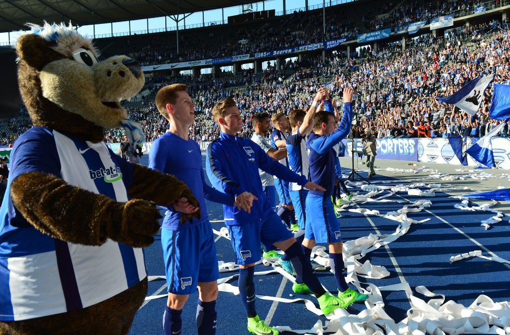 Hertha BSC konnte das Heimspiel gegen Augsburg mit 2:0 für sich entscheiden. Foto: dpa
