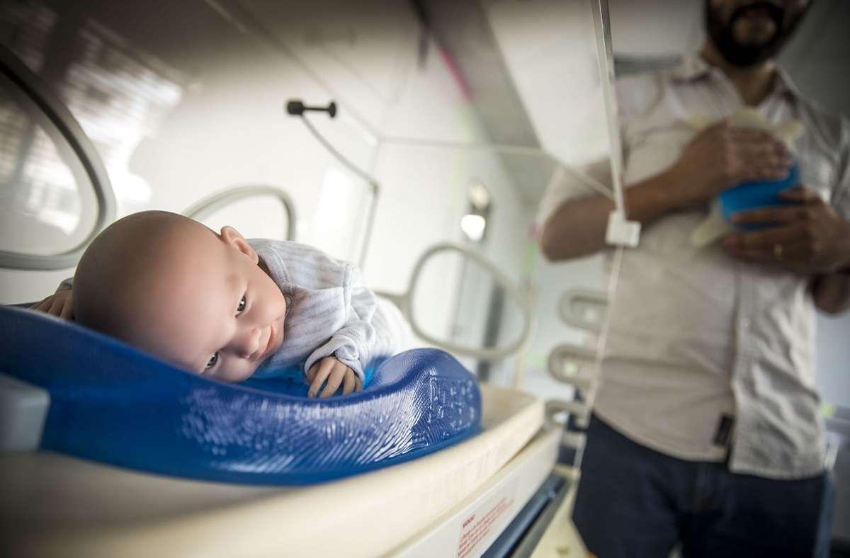 Babybe, ein Stuttgarter Start-up, das mithilfe eines speziellen Kissens beruhigende Herzgeräusche in den Brutkasten überträgt, ist ein Vorzeigebeispiel der bisherigen Investments. Foto: Lichtgut/