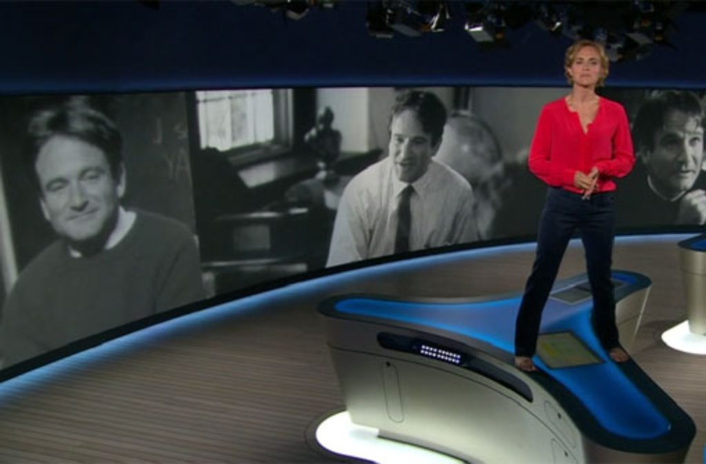 Oh Captain, my Captain: Caren Miosga erinnert in den Tagesthemen an den verstorbenen Robin Williams. Foto: NDR Mediathek