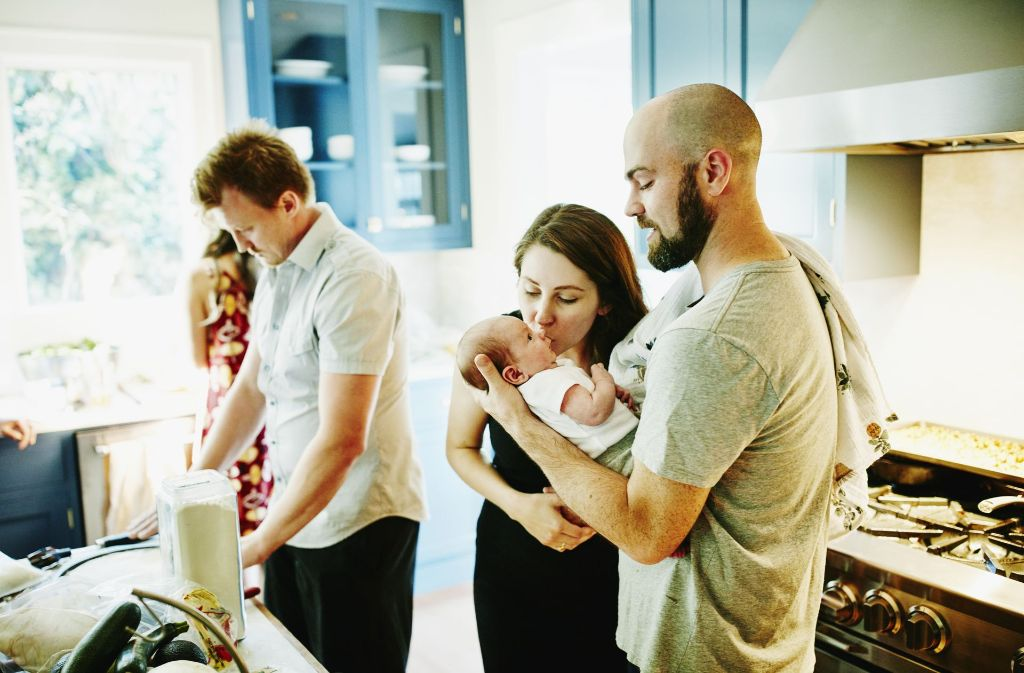 Papa, Mama, Papa – oder Onkel? Auch Freunde können sich für eine gemeinsame Elternschaft entscheiden. Foto: Getty