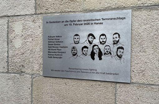 Illegale Anbringung an Stuttgarter Rathaus sorgt für Kritik