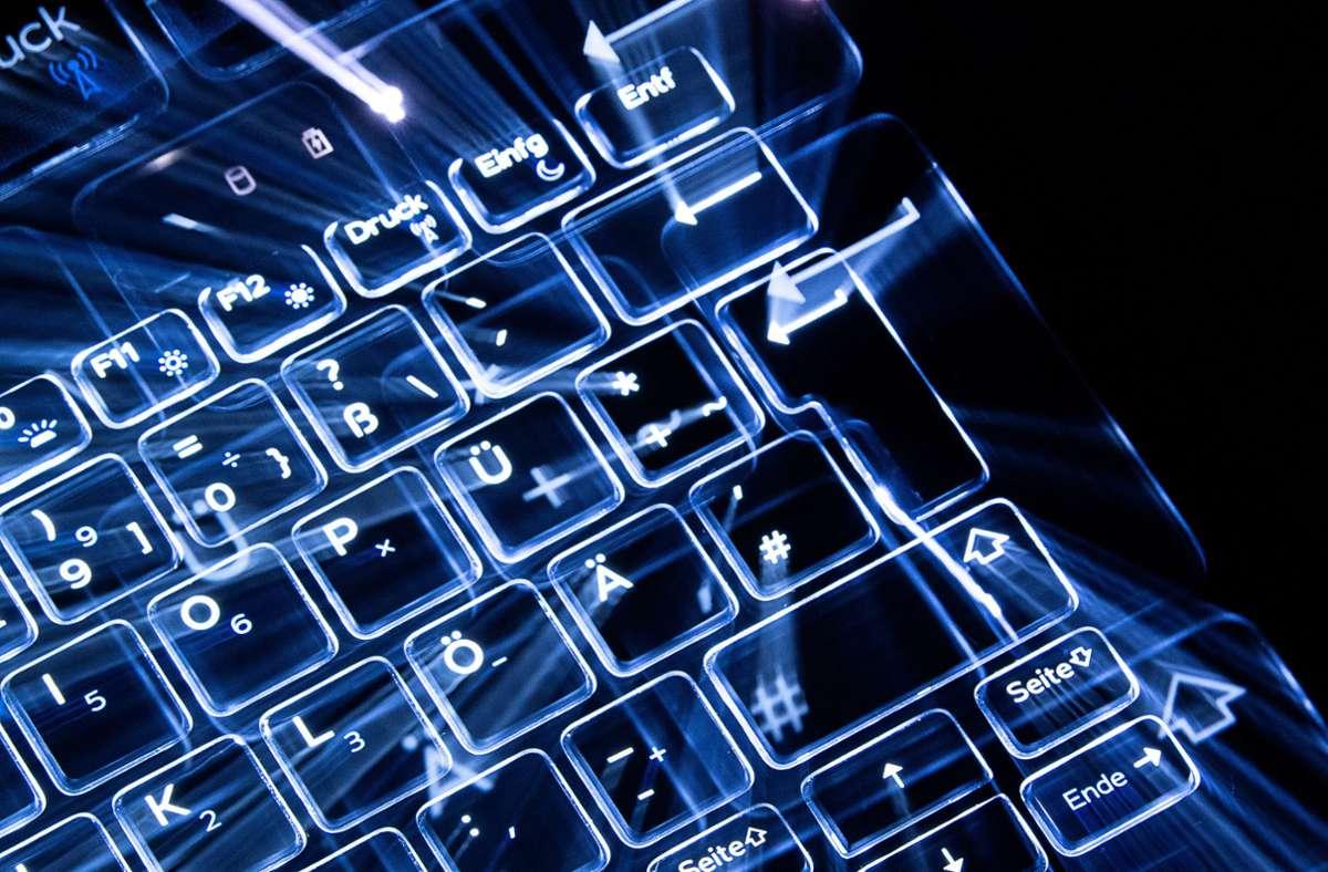 Die EU macht Russland für zahlreiche Cyberangriffe verantwortlich. (Symbolbild) Foto: dpa/Sebastian Gollnow