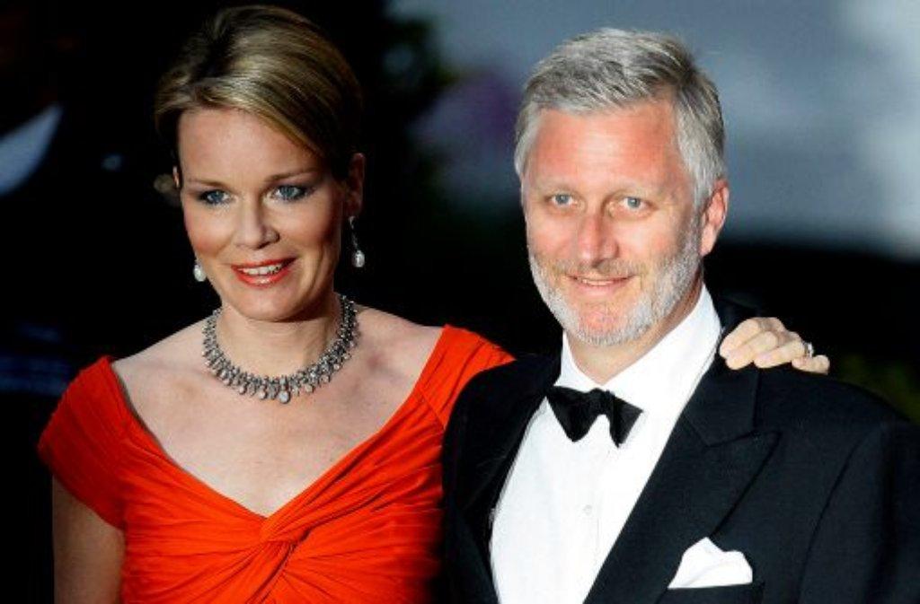 Seit 1999 verheiratet, vier Kinder, sie Wallonin, er Flame: Philippe und Mathilde von Belgien sind in ihrer Heimat sehr beliebt. Am 21. Juli werden sie König und Königin. Foto: AP/dpa