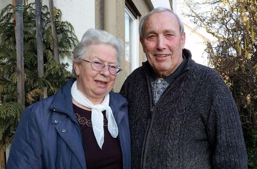 Gerhard (78) und Gertrud (75) Braun aus Heimsheim erzählen für Zisch aus ihrem Leben als Kinder  in der Nachkriegszeit. Foto: Braun/Bolay