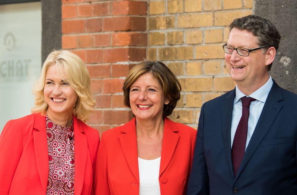 Das neue Führungstrio der SPD – für den Übergang: Manuela Schwesig, Malu Dreyer und Thorsten Schäfer-Gümbel (von links). Foto: Silas Stein/dpa