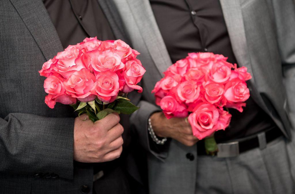 Schwule und Lesben können in Deutschland heiraten (Symbolbild). Foto: dpa