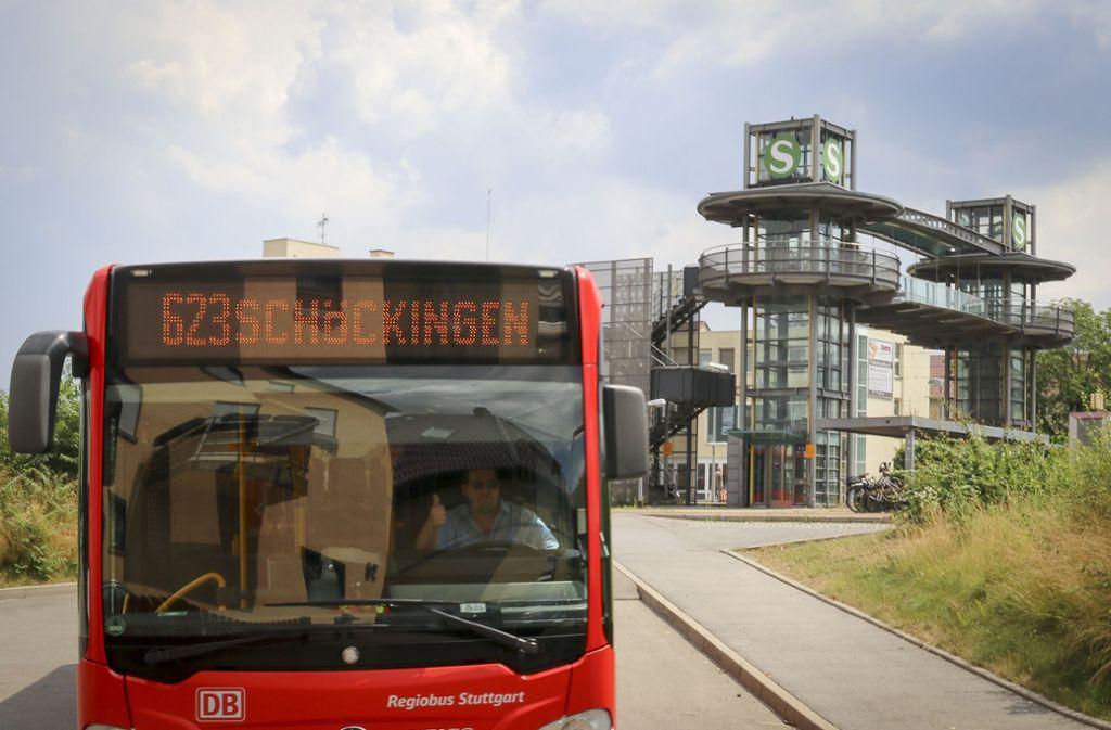 Schöckinger fahren vom Bahnhof aus günstiger nach Hause, als die Heimerdinger. Foto: factum/Granville