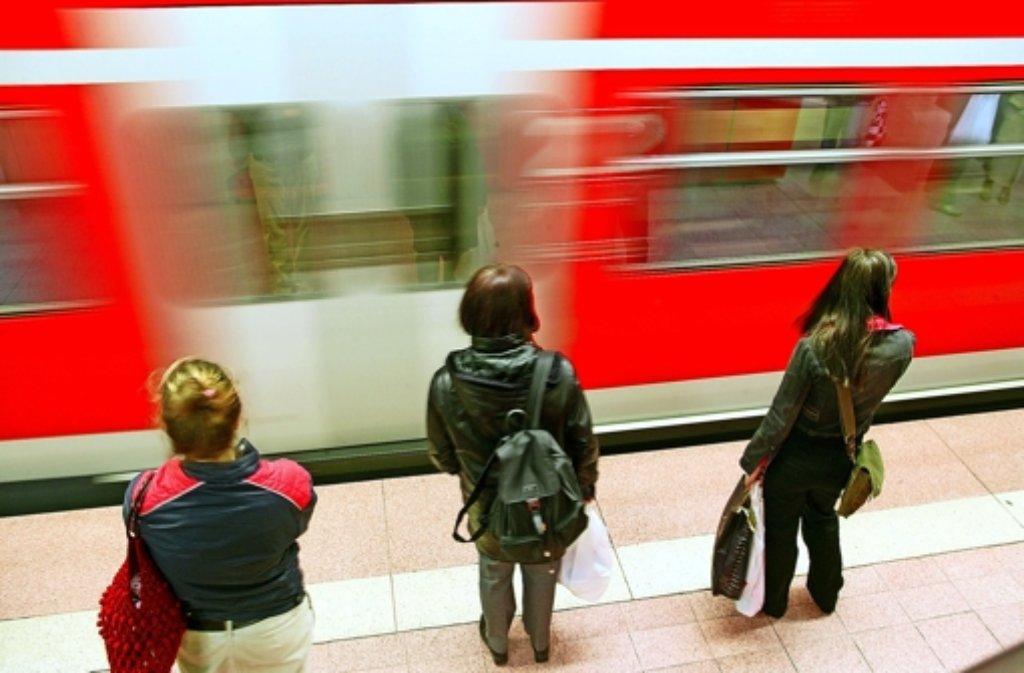 Wer in den Ferien nach Stuttgart will, muss Bahn und Bus nehmen. Foto: Zweygarth