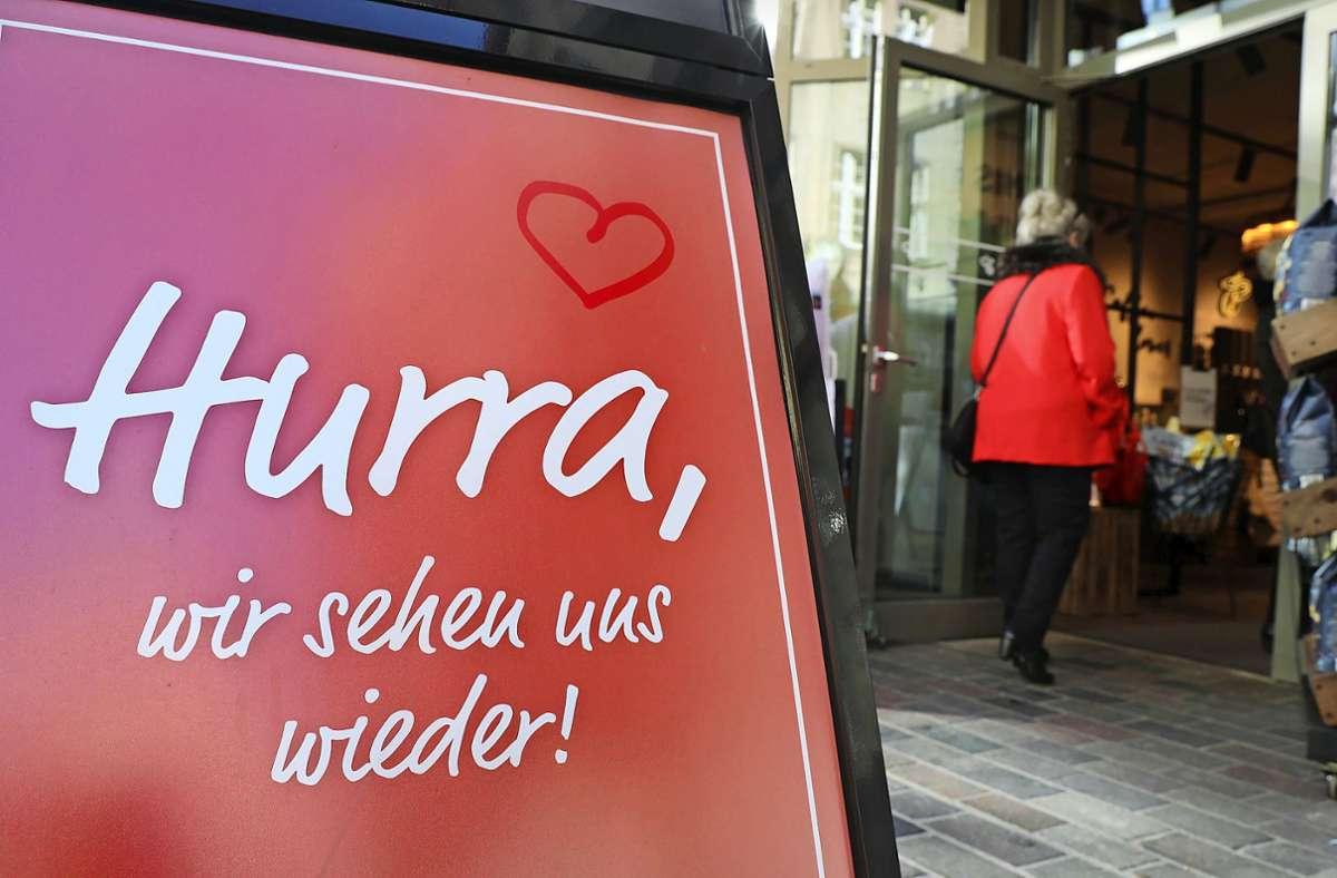 Dank der niedrigen Sieben-Tage-Inzidenz sind in Handel und Gastronomie weitere Öffnungen möglich. Foto: dpa/Bernd Wüstneck