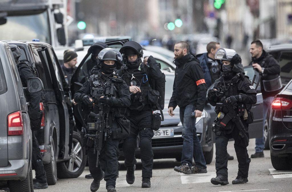 Die Polizei hat den Attentäter noch nicht ausfindig gemacht. Foto: AP