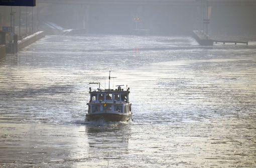 Frost behindert Schifffahrt auf dem Neckar