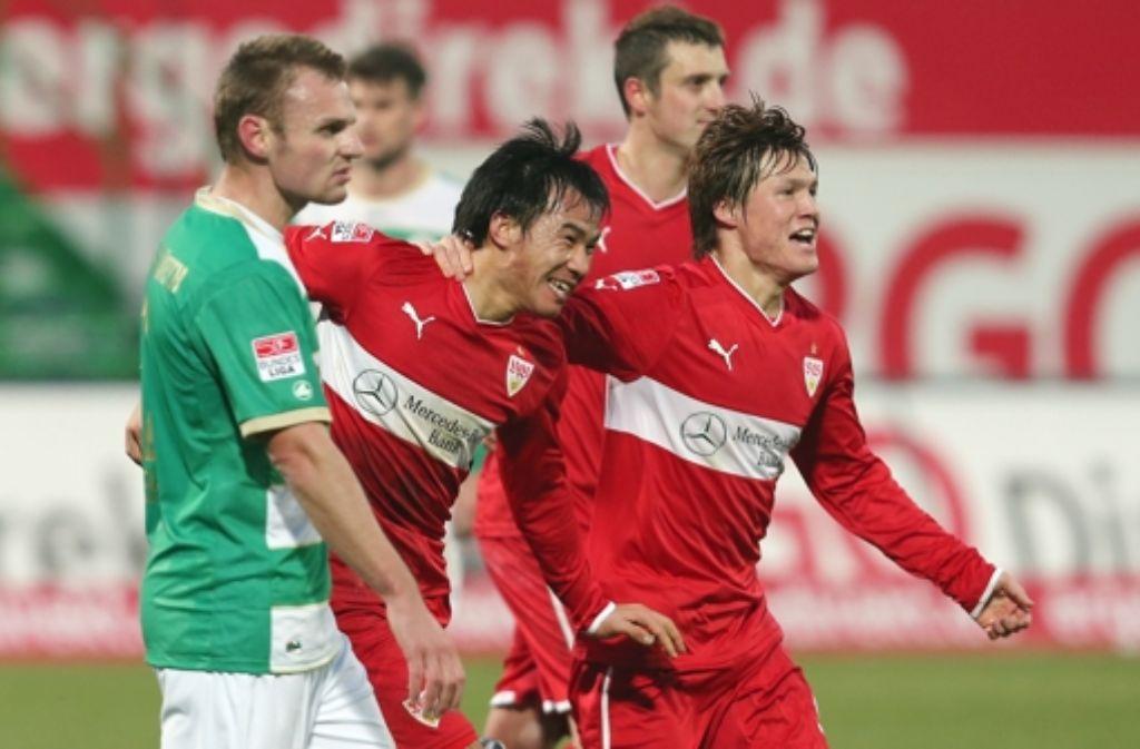Bernd Nehrig (vorne) hat beim 0:1 des VfB gar nichts zu lachen. Foto: Baumann