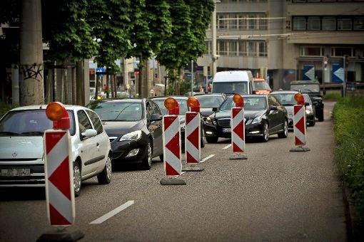 Hohenheimer Straße nachts voll gesperrt