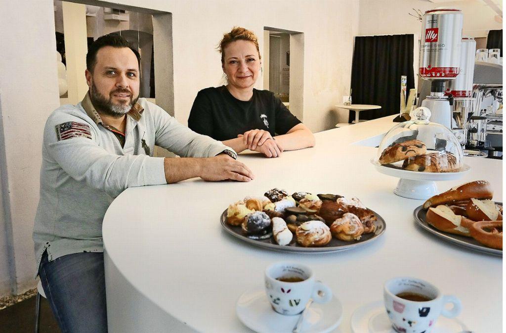 Klaudia und Wasili Poptsis führen seit Anfang März das Café im MIK. Weitere Cafés in Ludwigsburg finden Sie in unserer Bildergalerie. Foto: factum/Granville