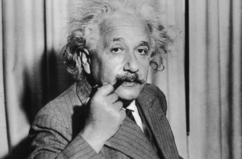 Deutscher, Schweizer, Amerikaner: Albert Einstein (1879-1955) im Jahr 1933 nach seiner Übersiedlung in die USA. In diesem Jahr 1933 wurde er Mitglied des Institute for Advanced Study, einem kurz zuvor in der Nähe der Princeton University gegründeten privaten Forschungsinstitut. Foto: Getty Images