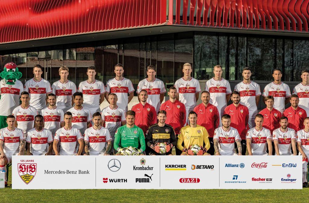 Das aktuellste Mannschaftsbild des VfB Stuttgart (noch mit Ex-Trainer Markus Weinzierl). Bald wird sich das Gesicht der Mannschaft wieder verändern. Foto: Baumann