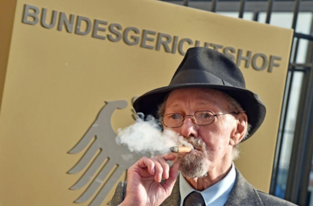 Rentner Friedhelm Adolfs hat vor dem Bundesgerichtshof einen Teilerfolg erzielt. Foto: dpa