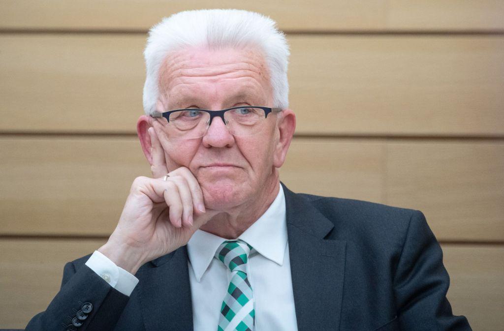 Winfried Kretschmann findet den Vorschlag von Olaf Scholz nicht gut. (Archivbild) Foto: dpa/Sebastian Gollnow