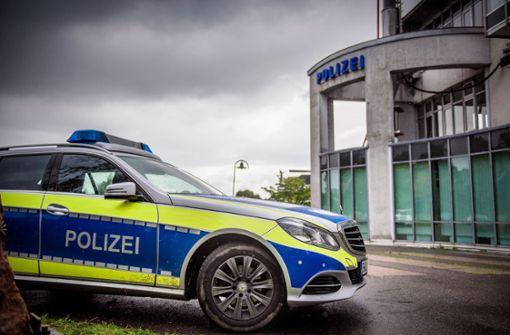 Polizei sucht Räuber mit Fahndungsfotos