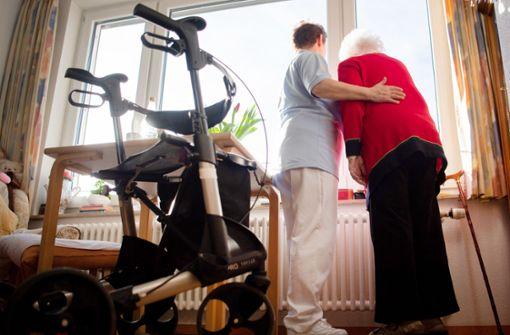 Streit um Pflegetarifvertrag landet vor Gericht