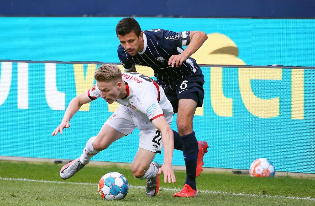 Chris Führich (vorne) bringt zwar in Bochum frischen Schwung, doch der VfB Stuttgart tut sich im Angriff weiter schwer. Foto: Baumann/Julia Rahn