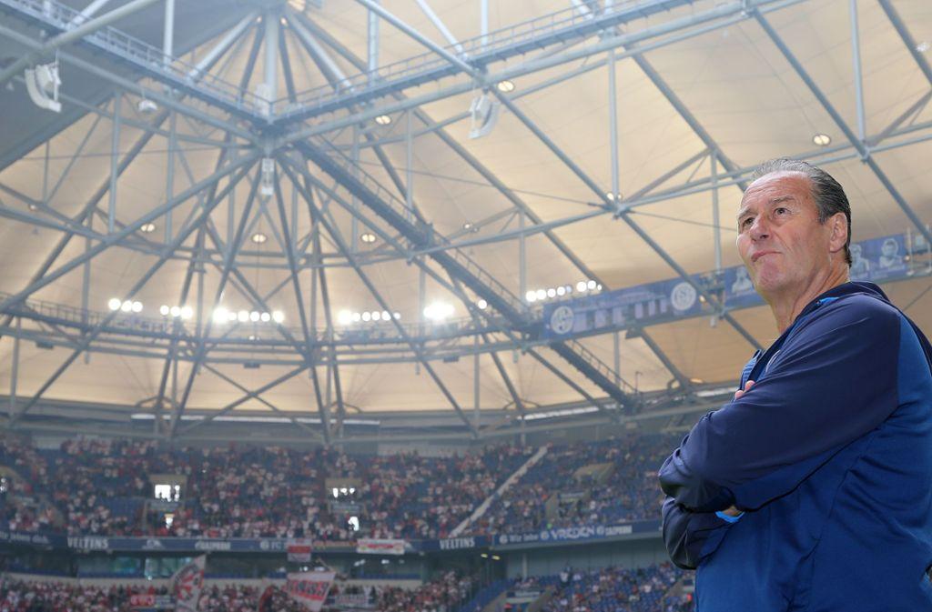 Huub Stevens absolvierte sein (vorerst) letztes Spiel als Schalke-Trainer. Foto: Pressefoto Baumann