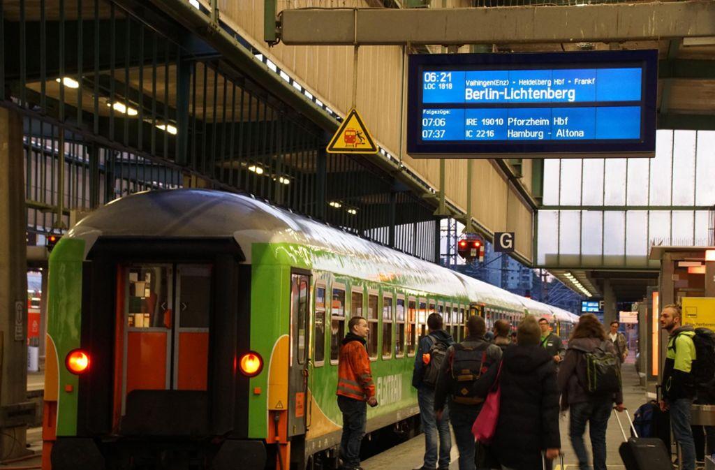 Der FlixTrain vor seiner Jungfernfahrt von Stuttgart nach Berlin. Foto: Andreas Rosar