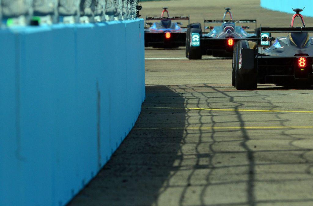 Ein Formel-1-Wagen beschleunigt von 0 auf 100 Stundenkilometer in nur 2,5 Sekunden. Bei einem Formel-E-Auto (Foto) dauert die Beschleunigung 2,9 Sekunden. Foto: dpa