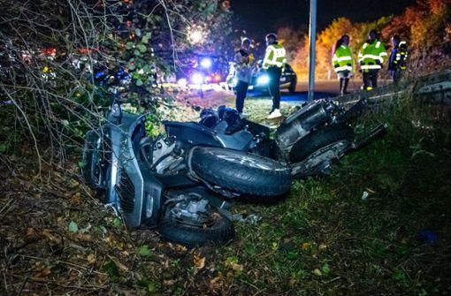 Motorradfahrer von Auto erfasst und schwer verletzt