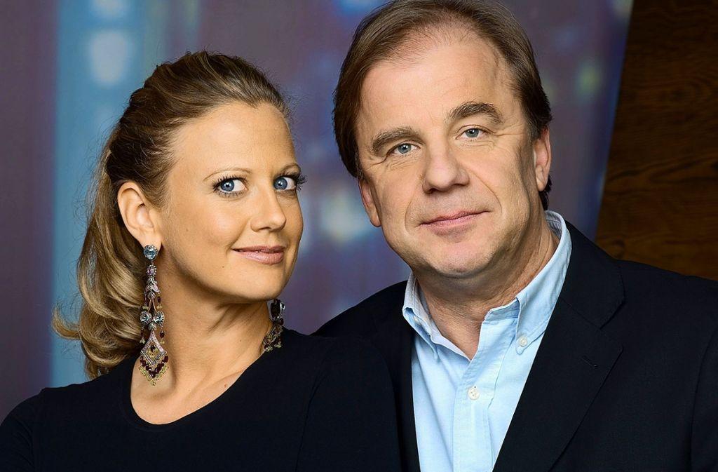 Ein eingespieltes Team: Barbara Schöneberger und Hubertus Meyer-Burckhardt moderieren seit zehn Jahren gemeinsam die NDR-Talkshow. Foto: NDR