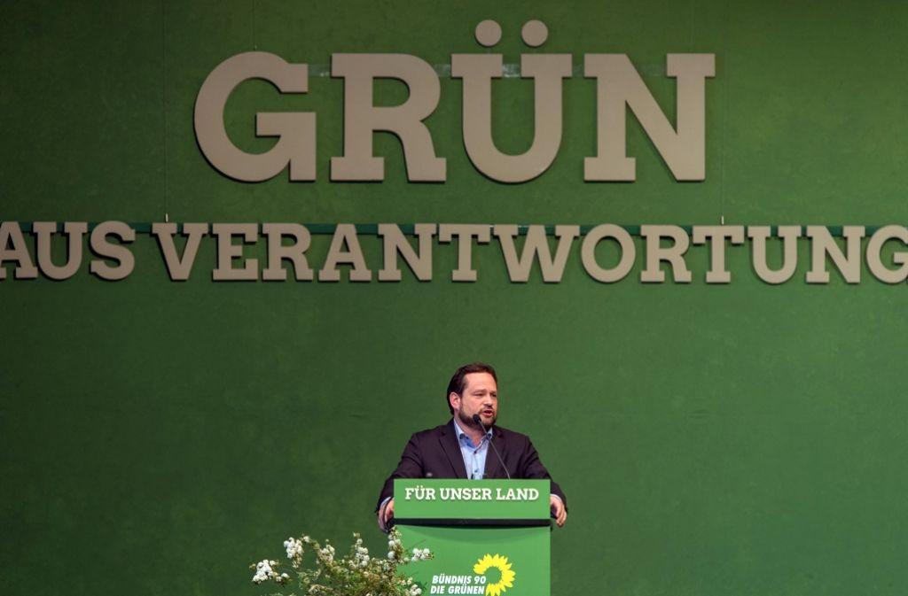 Grünen-Minister Alexander Bonde will sich für einige Zeit aus der ersten Reihe der Politik zurückziehen. Foto: dpa