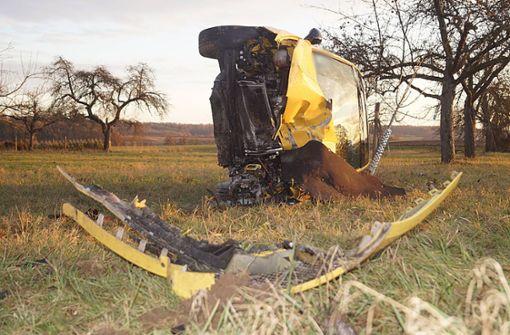 Betrunkener Autofahrer nach mehrfachem Überschlag schwer verletzt