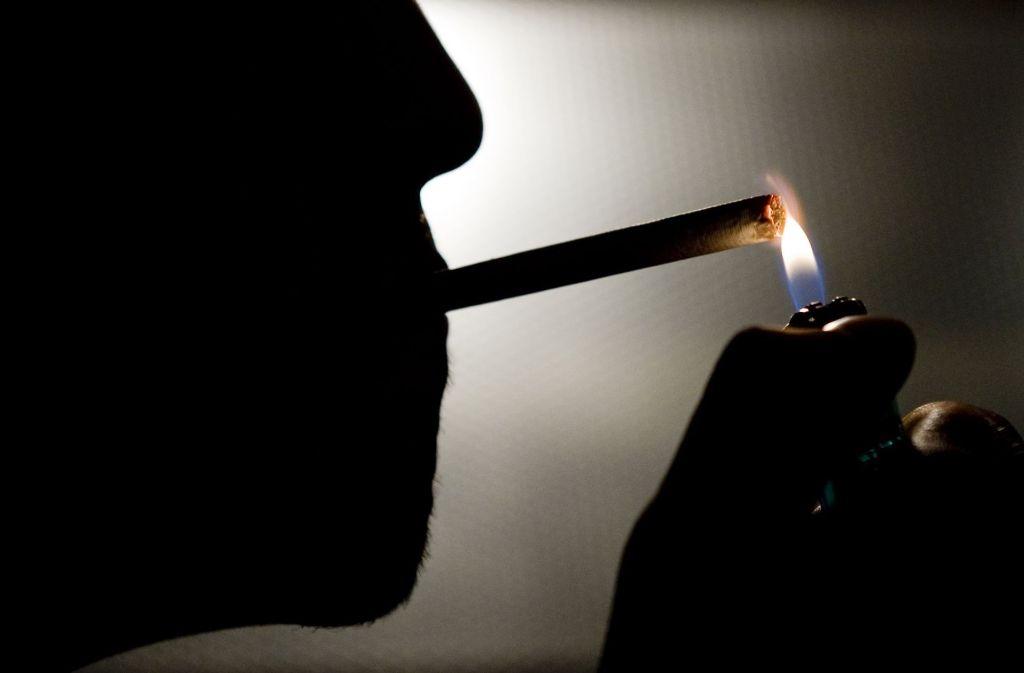 Wenig rauchen bringt nichts. Nur Nichtraucher haben kein erhöhtes Sterberisiko. (Symbolfoto) Foto: dpa