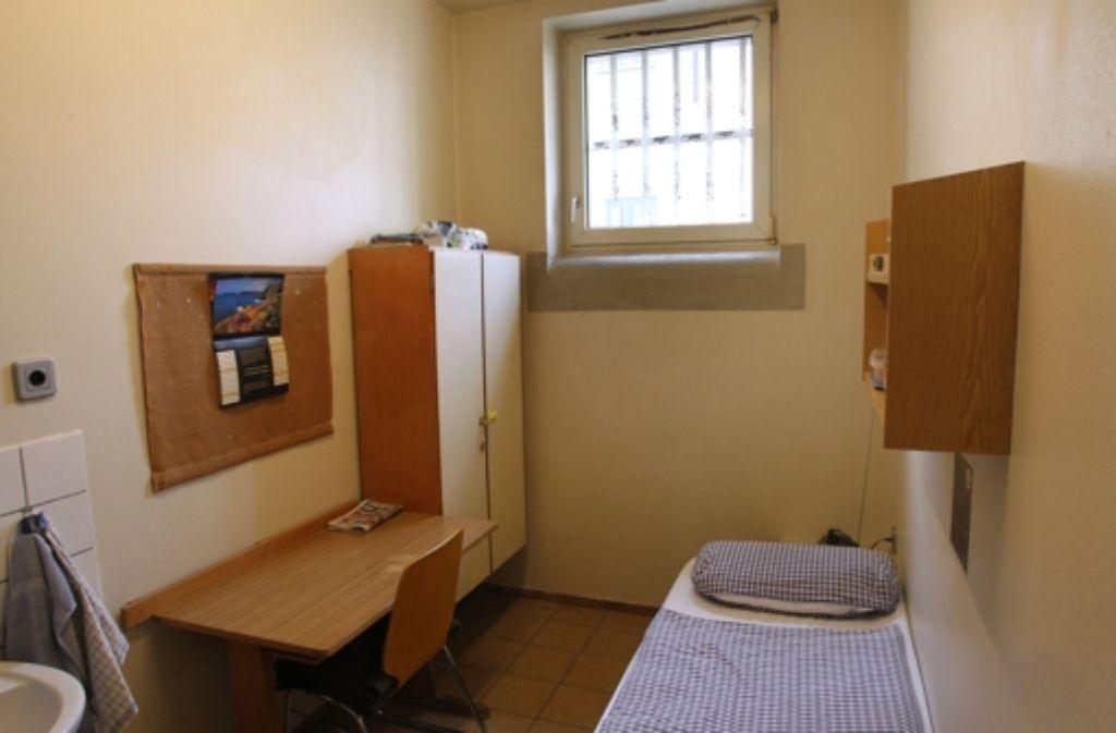 In der JVA Landsberg am Lech wartet der ganz normale Gefängnisalltag auf Uli Hoeneß. Foto: dpa