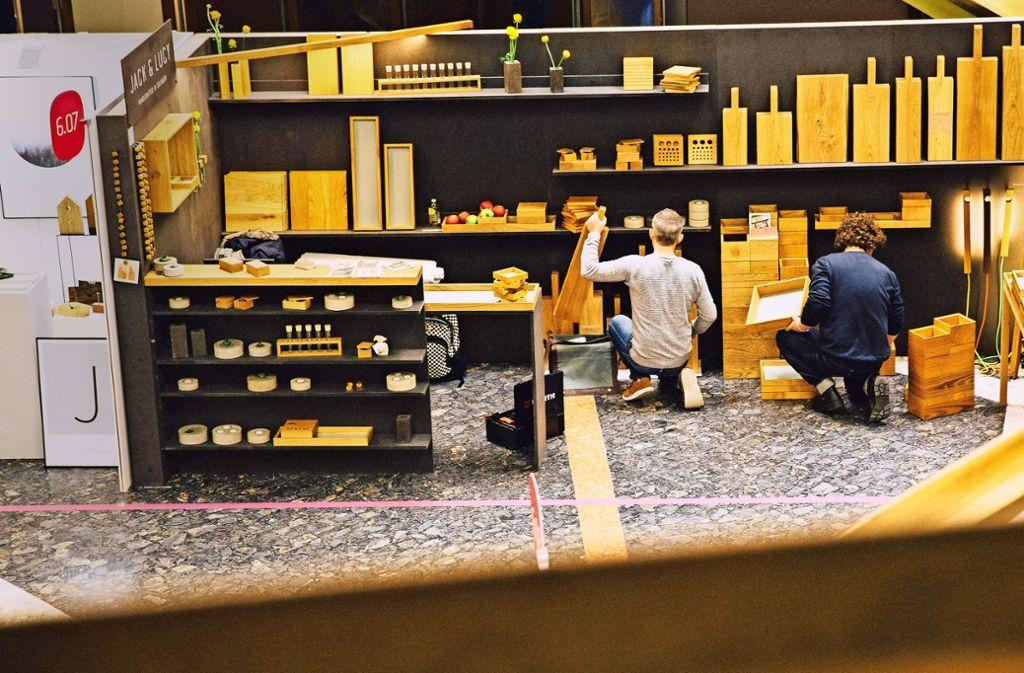 Mode und Schmuck, Möbel und Wohnaccessoires – in der gesamten Liederhalle präsentierten Designer ihre Entwürfe und Produkte. Foto: Lichtgut/Leif Piechowski