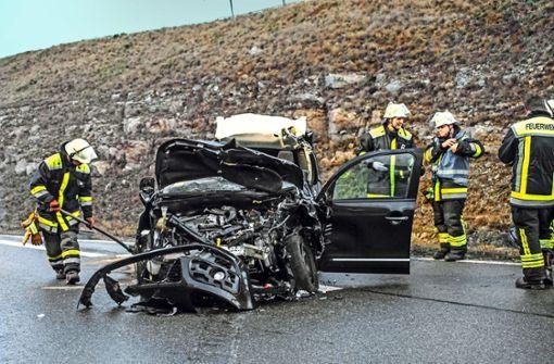 Wieder schwerer Unfall auf   B464