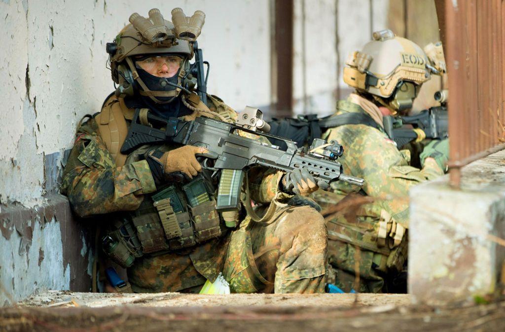 In der Eliteeinheit der Bundeswehr soll es eklatante Missstände geben. Foto: dpa/Kay Nietfeld