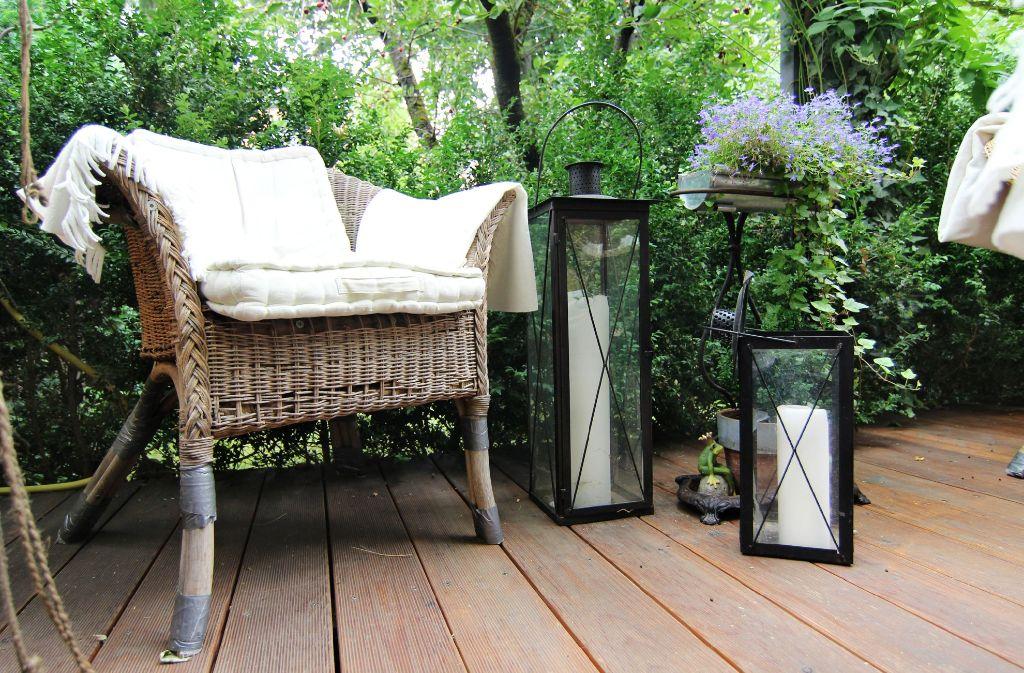 Der Hinterhof des Ehepaars Fritz ist ein wahres Pflanzenparadies. Foto: Geißler