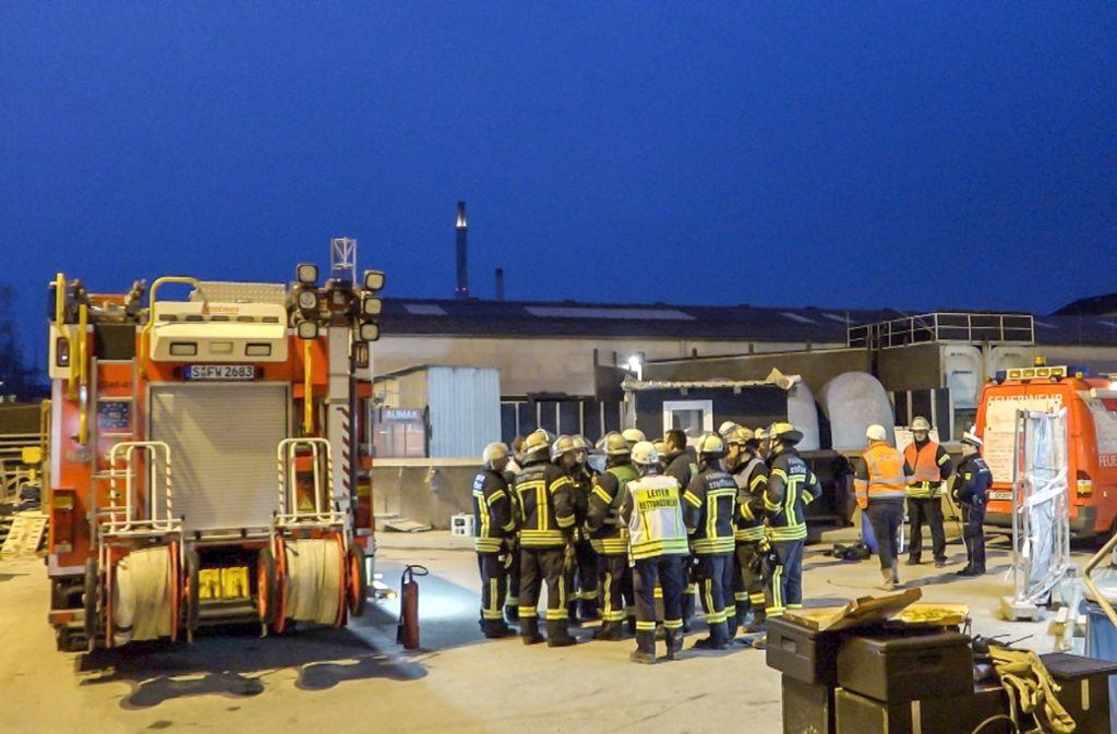 Etwa 60 Feuerwehrleute stiegen von Wangen aus in die Tunnelröhre. Foto: 7aktuell (Archiv)