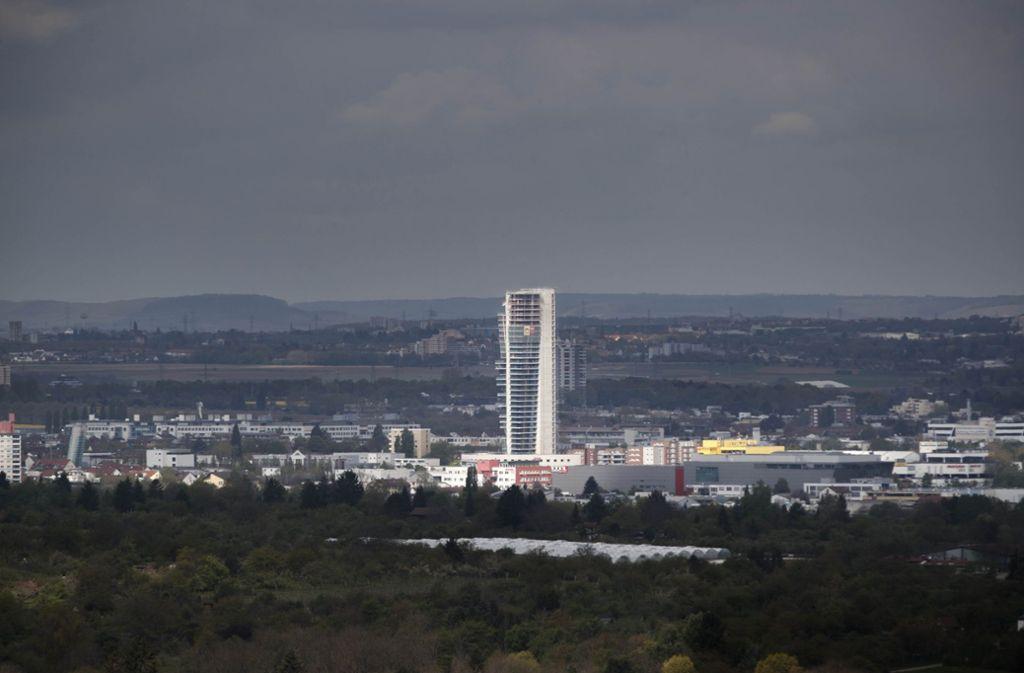 Auf dem Gewa-Tower in Fellbach wurden Personen gesichtet. Foto: Gottfried Stoppel