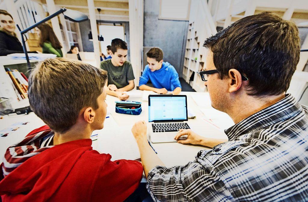 An der Alemannenschule in Wutöschingen hat jeder Schüler ein Tablet Foto: dpa