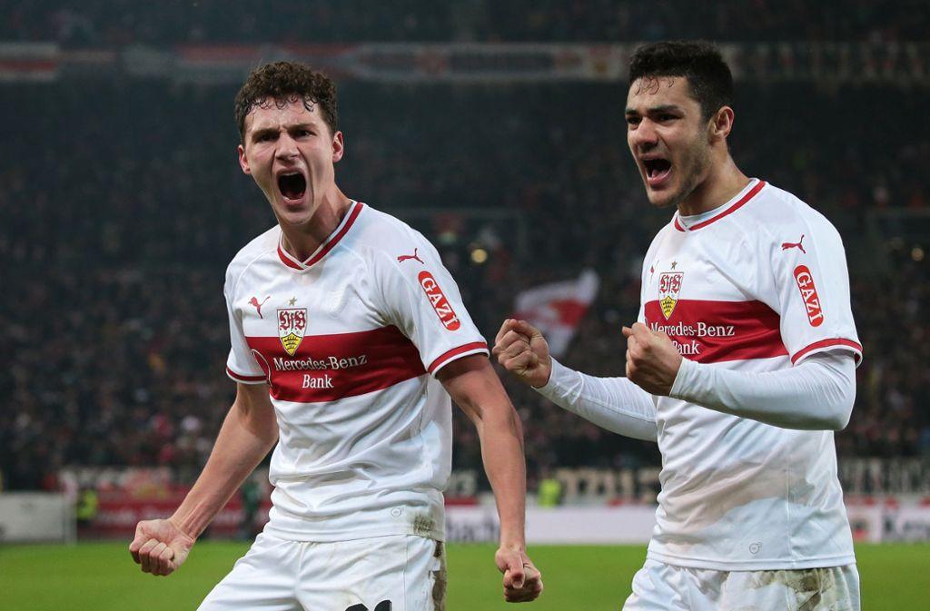Benjamin Pavard (links) und Ozan Kabak waren für den VfB Stuttgart als Zugänge nicht billig. Beide konnten aber für mehr Geld verkauft werden. Foto: Pressefoto Baumann/Alexander Keppler