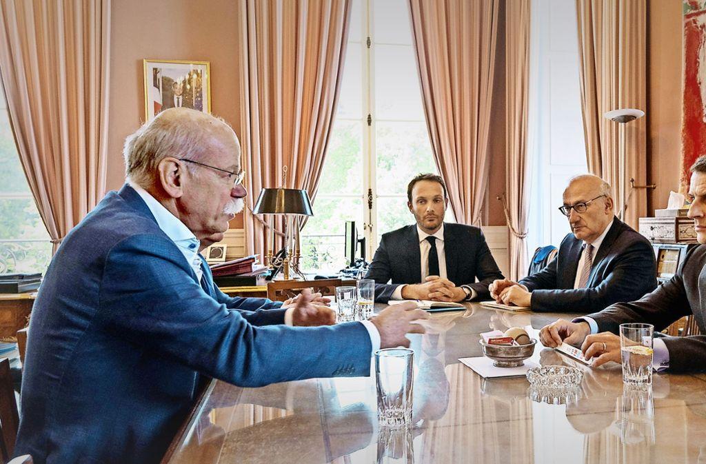 Daimler-Chef Dieter Zetsche (links) war am Freitag bei einem Arbeitsbesuch beim französischen Präsidenten Emmanuel Macron. Foto: Daimler