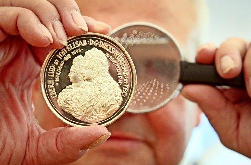 Anekdoten von Münzen und Menschen
