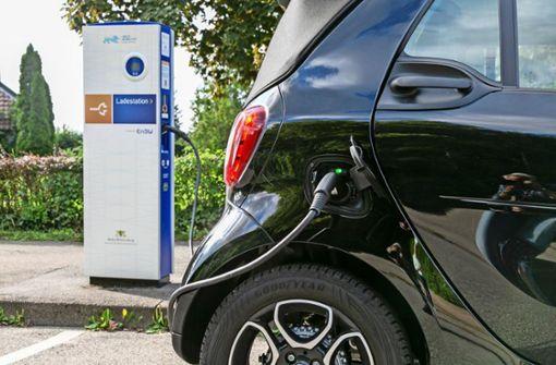 Für  E-Autos sind 2200 Ladepunkte nötig