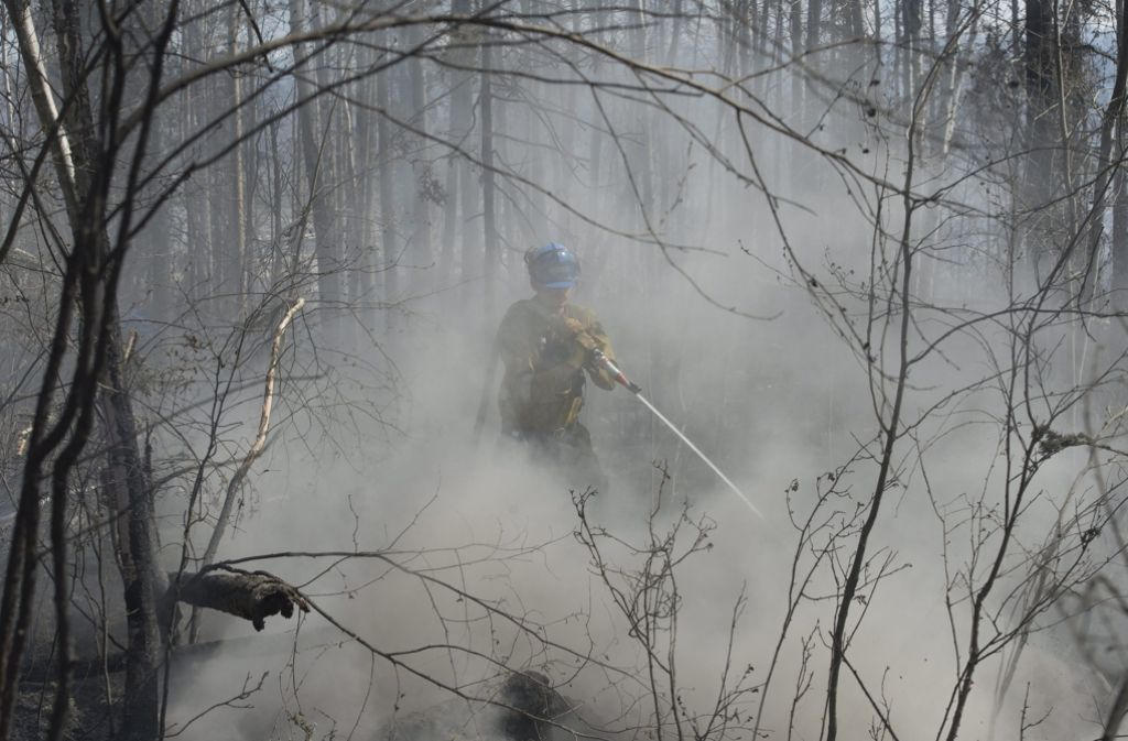 Noch immer sind die Waldbrände im Westen Kanadas nicht gebändigt. Besonders stark wüteten die Flammen rund um die 80.000-Einwohner-Stadt Fort McMurray. Foto: dpa