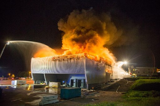 Feuer richtet zweistelligen Millionenschaden an
