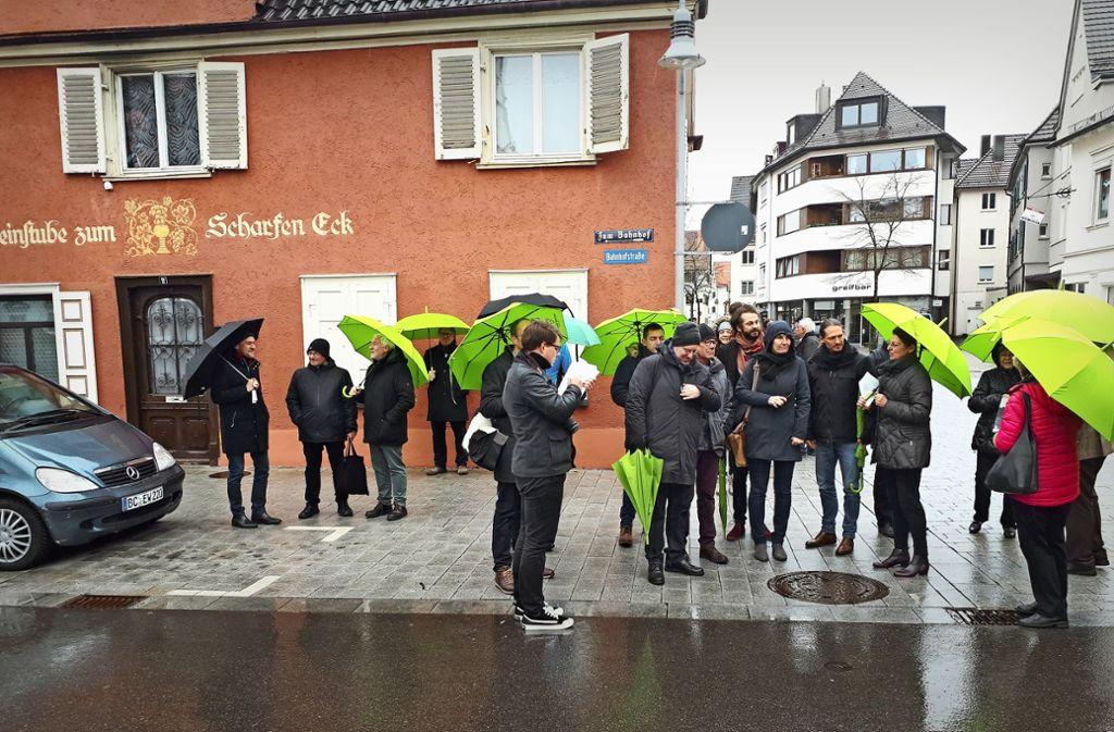 Die Sindelfinger schauten sich auch Biberach an – und profitierten gleich von der dortigen Leihschirm-Aktion. Wicke-NaberFoto: Wicke-Naber Foto: