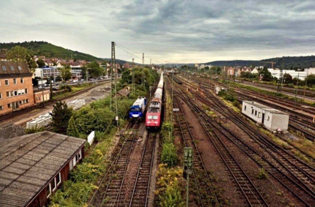 Auch der ehemalige Güterbahnhof von Untertürkheim wird bei Stuttgart 21 umgebaut. Dort sollen künftig Züge abgestellt und gewartet werden. Foto: Honzera