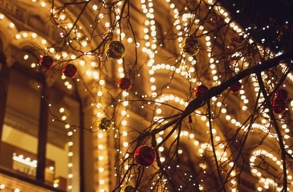 Wegen einer Weihnachtsbeleuchtung ist die Polizei in Bad Überkingen ausgerückt. (Symbolbild) Foto: Shutterstock/Orwald